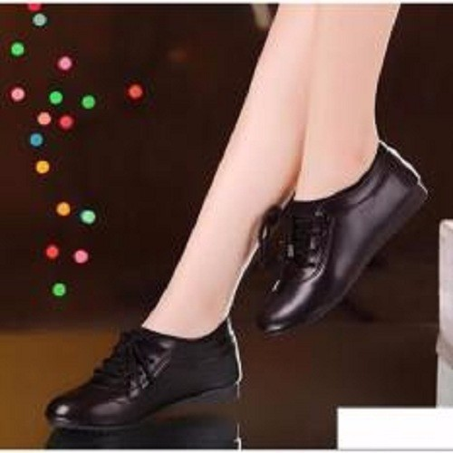 Giày Sneaker Nữ thời trang sành điệu