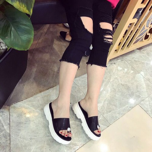 giày sandal bánh mì xỏ ngón