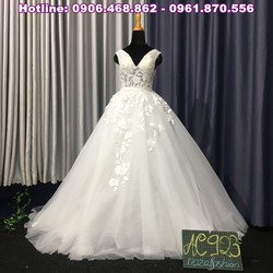 Áo cưới dáng xòe bồng bềnh AC923