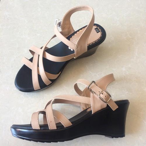 Giày sandal nữ đế xuồng đẹp bền chất lượng - 4640498 , 17152006 , 15_17152006 , 470000 , Giay-sandal-nu-de-xuong-dep-ben-chat-luong-15_17152006 , sendo.vn , Giày sandal nữ đế xuồng đẹp bền chất lượng