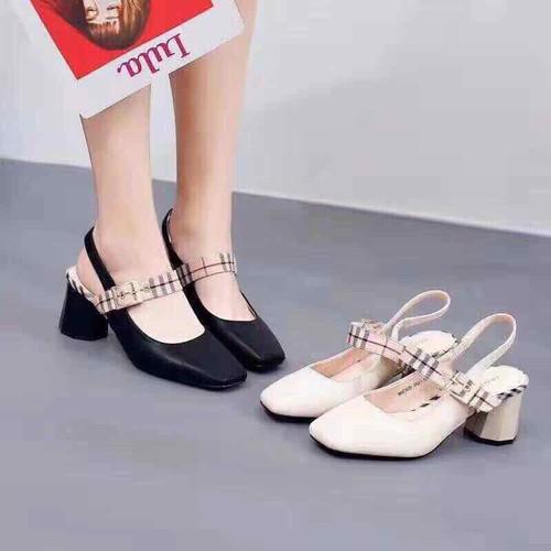Giày thời trang giày gót trụ bít mũi