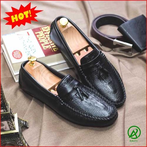 Giày Nam - Giày Mọi Nam Đẹp Đế Khâu Có Chuông Vân Cá Sấu Màu Đen Sang Trọng - M117