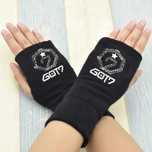 Găng tay nỉ nam nữ  GOT7