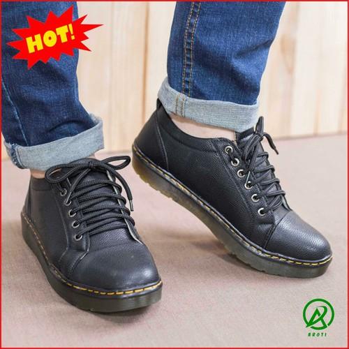 Giày Boot Nam - Giày Boot Nam Ngắn Cổ Màu Đen Đế Được Khâu Chắc Chắn - M90