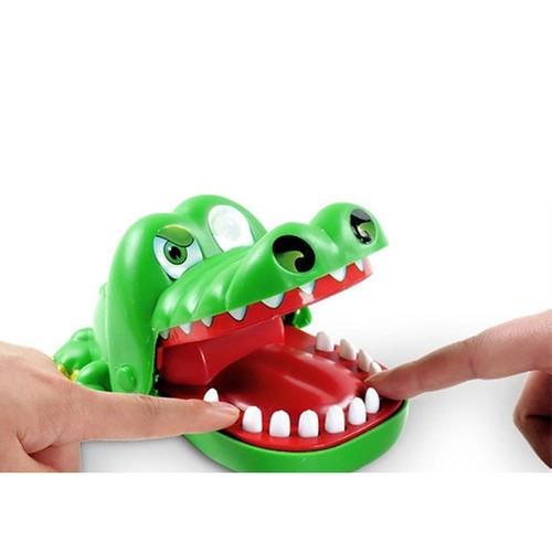 Đồ chơi cắn tay con cá sấu, ai bấm sai răng là bị cắn tay ngay - 7946811 , 17608084 , 15_17608084 , 121000 , Do-choi-can-tay-con-ca-sau-ai-bam-sai-rang-la-bi-can-tay-ngay-15_17608084 , sendo.vn , Đồ chơi cắn tay con cá sấu, ai bấm sai răng là bị cắn tay ngay