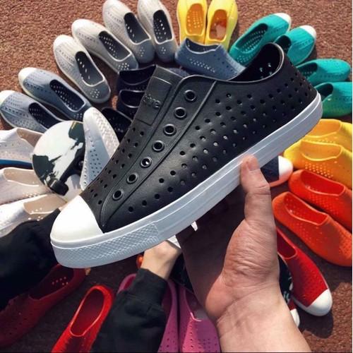 Giày Native Jefferson - Giày nhựa Eva siêu nhẹ, không thấm nước- Giày đi biển - Màu Trắng - 8046465 , 17715090 , 15_17715090 , 270000 , Giay-Native-Jefferson-Giay-nhua-Eva-sieu-nhe-khong-tham-nuoc-Giay-di-bien-Mau-Trang-15_17715090 , sendo.vn , Giày Native Jefferson - Giày nhựa Eva siêu nhẹ, không thấm nước- Giày đi biển - Màu Trắng