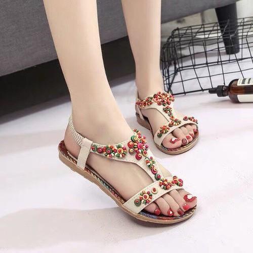 Giày sandal nữ đế bệt đính hạt phối màu-trắng