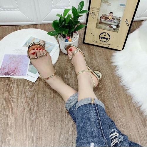 giày gót vuông tròn
