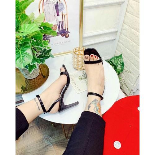 Giày sandal gót dẹp