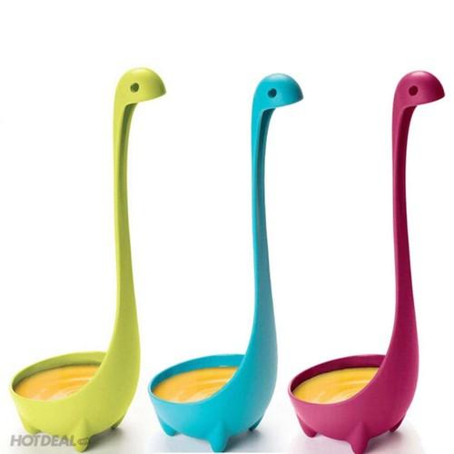 Muỗng nhựa khủng long đáng yêu - Nessie ladle