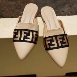 Giày sục nữ mũi nhọn dáng hàn quốc - M04