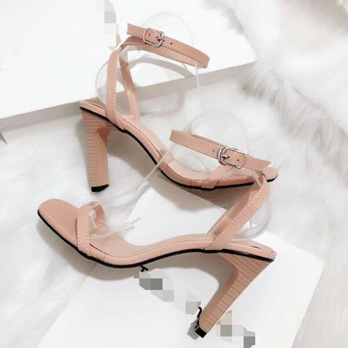 Giày sandal cao gót thời trang