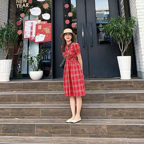 váy kẻ đỏ xoắn eo - 7901292 , 17277515 , 15_17277515 , 180000 , vay-ke-do-xoan-eo-15_17277515 , sendo.vn , váy kẻ đỏ xoắn eo