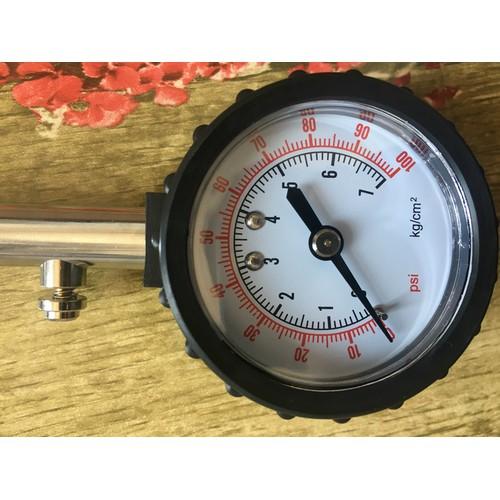Thiết bị đo áp suất lốp cần có cho xe hơi, ô tô
