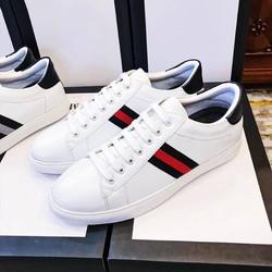 Giày nam- Giày thể thao trắng sọc kẻ đỏ – khuyến mãi chào hè cực khủng