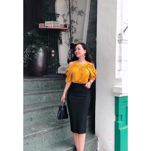 Đầm body trên vàng hở vai dưới đen