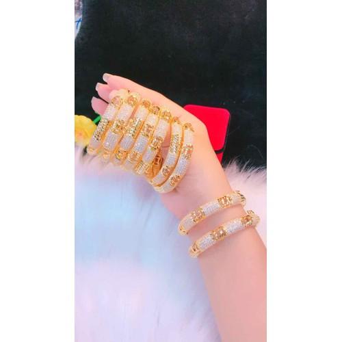 Vòng tay nữ cao cấp màu vàng 18 mẫu mới cực đẹp - 8914587 , 18524176 , 15_18524176 , 289000 , Vong-tay-nu-cao-cap-mau-vang-18-mau-moi-cuc-dep-15_18524176 , sendo.vn , Vòng tay nữ cao cấp màu vàng 18 mẫu mới cực đẹp