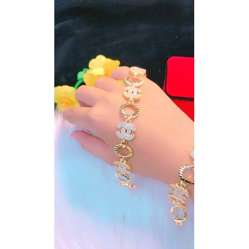 Lắc tay nữ cao cấp màu vàng mẫu mới cực đẹp - 8914241 , 18523757 , 15_18523757 , 350000 , Lac-tay-nu-cao-cap-mau-vang-mau-moi-cuc-dep-15_18523757 , sendo.vn , Lắc tay nữ cao cấp màu vàng mẫu mới cực đẹp