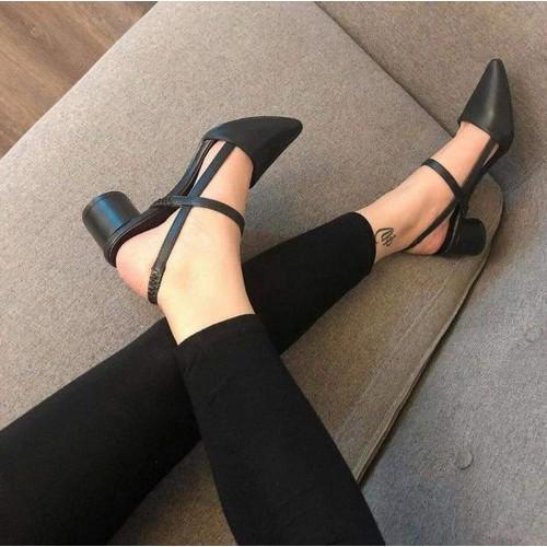 giày cao gót bít mũi