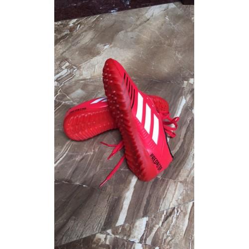 Giày đá bóng dành cho trẻ em