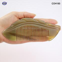 Lược sừng xuất Nhật – Size: M -15cm – Hình Lá – HAHANCO
