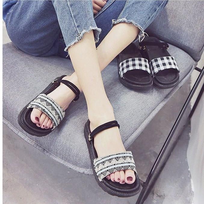 Giày sandal bánh mì HQ retro  Giày sandal bánh mì 2