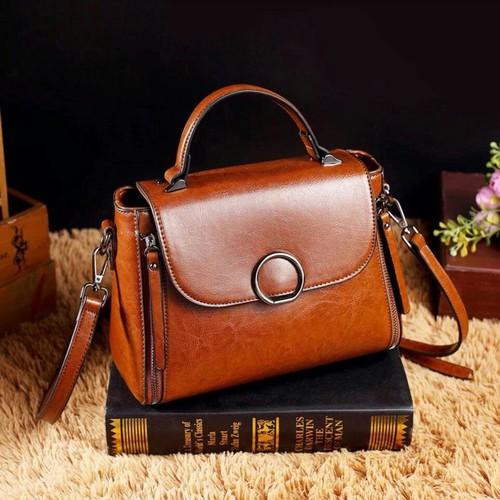 Túi xách nữ trung niên