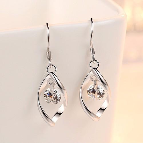 Khuyên tai Nữ móc xoắn tình yêu  hạt đá 3D vát kim cương 6mm sang trọng