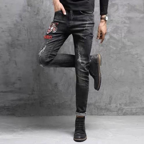 Quần jeans nam hình thêu đẹp