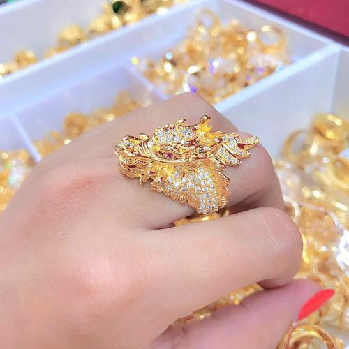 Nhẫn nam màu vàng 18k hình đầu rồng đính xoàn - 7647365 , 18684651 , 15_18684651 , 250000 , Nhan-nam-mau-vang-18k-hinh-dau-rong-dinh-xoan-15_18684651 , sendo.vn , Nhẫn nam màu vàng 18k hình đầu rồng đính xoàn
