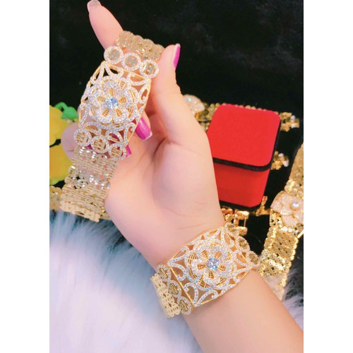 Lắc tay nữ kiểu hoa dát vàng 18k cao cấp mẫu mới - 9044733 , 18715489 , 15_18715489 , 350000 , Lac-tay-nu-kieu-hoa-dat-vang-18k-cao-cap-mau-moi-15_18715489 , sendo.vn , Lắc tay nữ kiểu hoa dát vàng 18k cao cấp mẫu mới