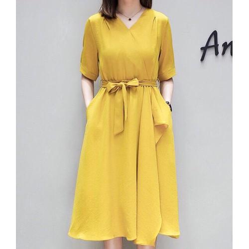 Đầm suông vàng lệch tà dưới 60kg xds363