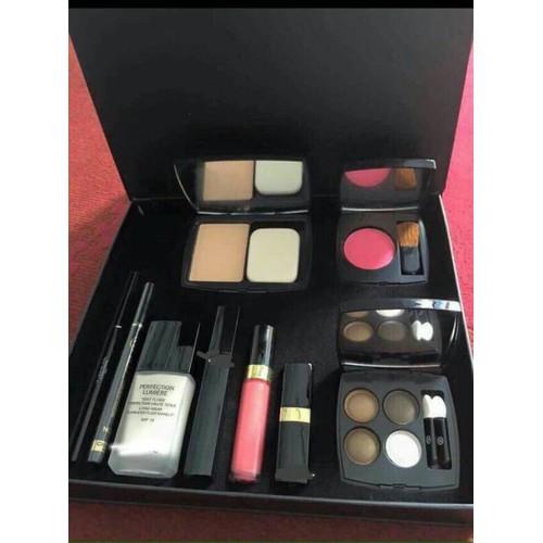 Bộ mỹ phẩm make-up 9 món