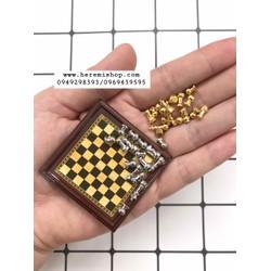 Bộ cờ vua mô hình tỷ lệ 1:12 kim loại - thanh lý 1 bộ thiếu 1 quân mã