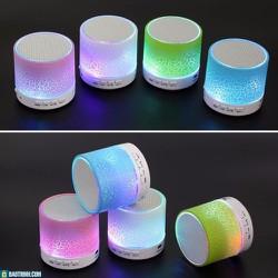 Loa A9 có đèn Led nháy theo nhạc
