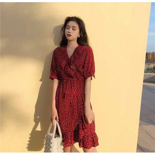 Đầm bi đỏ đắp tà quyến rũ