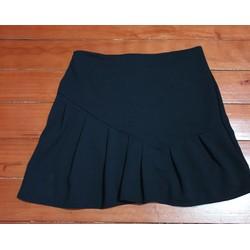 Chân váy ngắn có lót quần bên trong xinh xinh