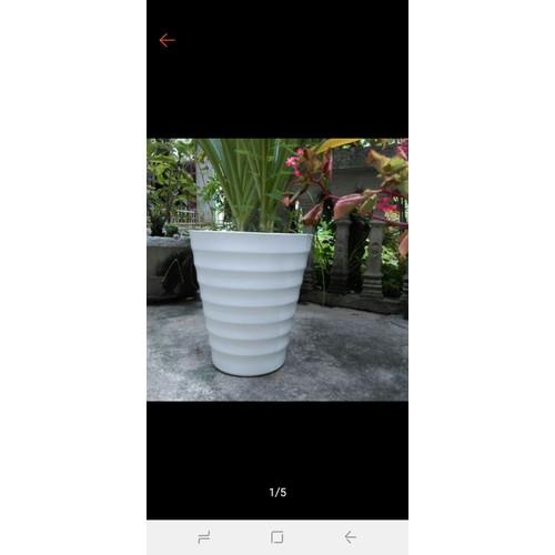 Chậu trồng cây hoa vân nổi giá sỉ rộng 25cm x30cm