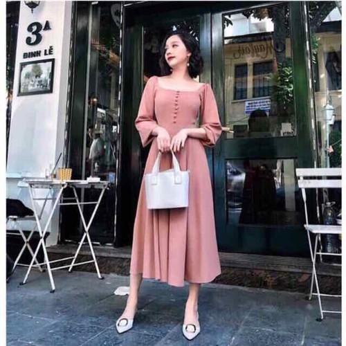 Đầm hồng cổ vuông tay dài