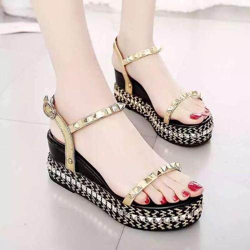 Giày sandal nữ đế xuồng sang chảnh