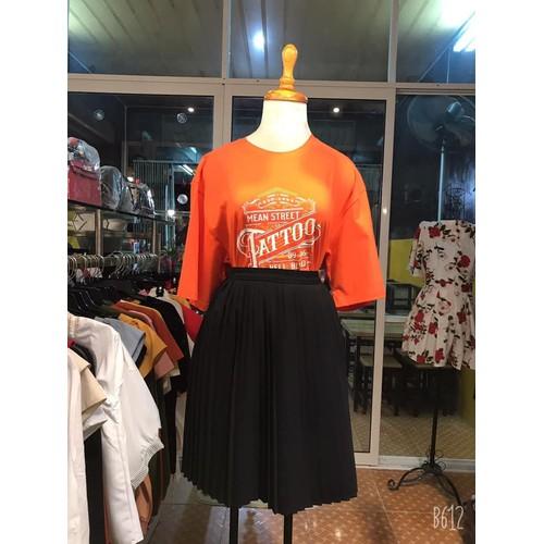Áo thun màu cam tay lỡ