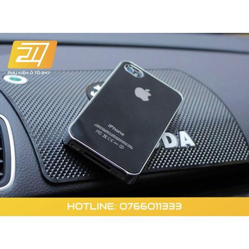 Tấm dính điện thoại chống trượt trên ô tô