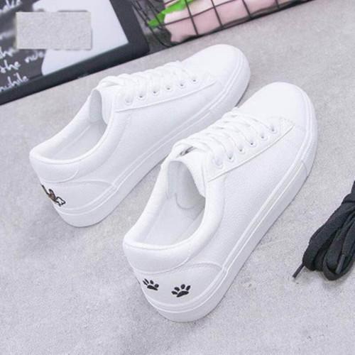 Giày thể thao nữ màu trắng mèo, chân mèo