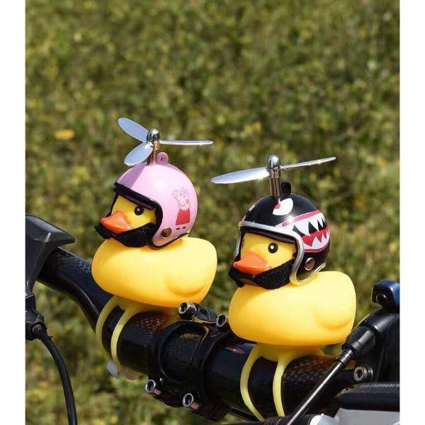 Vịt Gắn Xe - Vịt Đội Nón Bảo Hiểm Có Chong Chóng Đèn Led 9