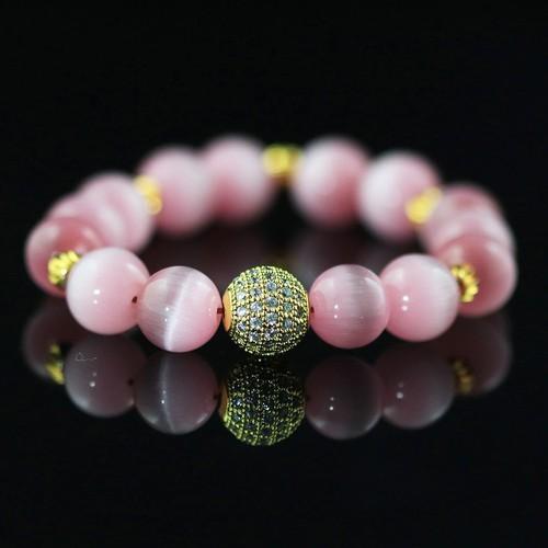 Vòng tay phong thủy đá Opal mắt mèo hồng mix charm cầu 5 hạt vàng tài lộc DOC-VT59
