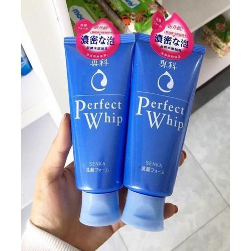 Sữa rửa mặt Senka xanh