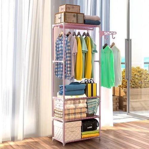Kệ treo quần áo trong phòng ngủ