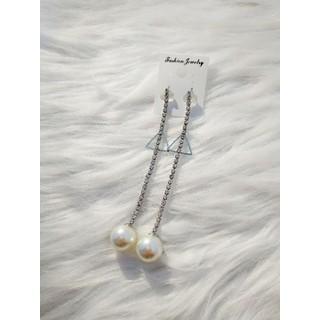 bông tai Hàn Quốc - bông tai dài tam giác thumbnail