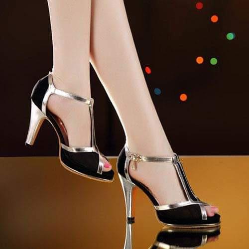 Giày sandal cao gót quai nhũ