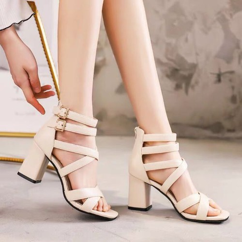 Giày sandal cao gót phối khóa xinh